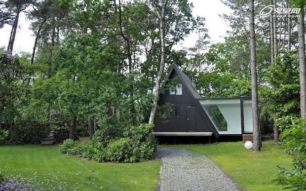 创意建筑设计!树林里的a字形住宅项目